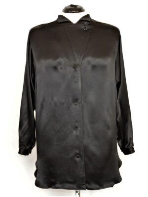 läikiv must pluus