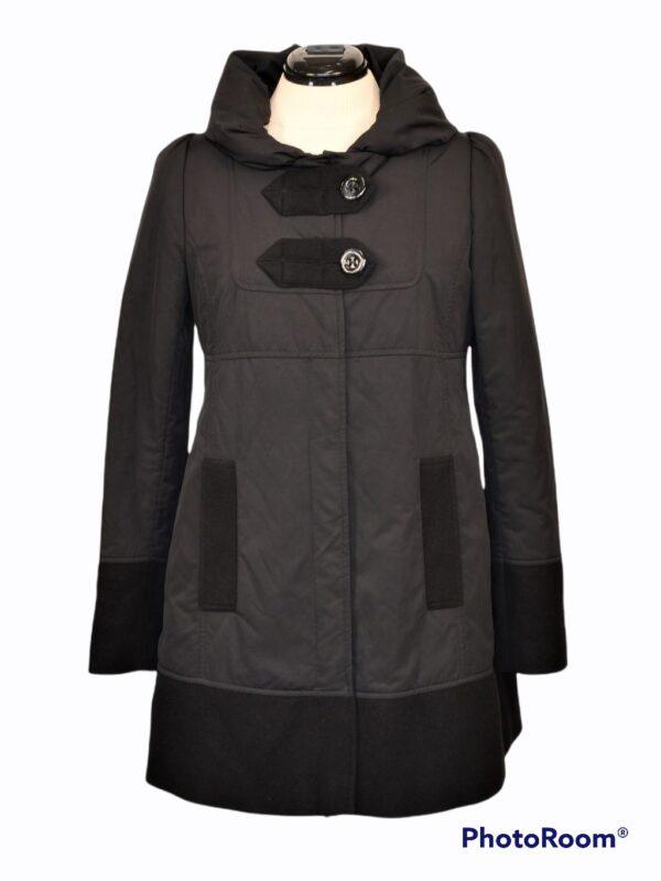 Lener Cordier disainer mantel